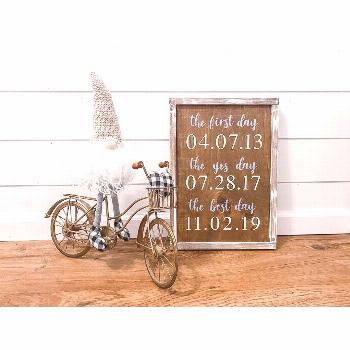 Look ma, gnome hands  • This sign was such a hit at our wedding! It is the perfe -      Look ma,